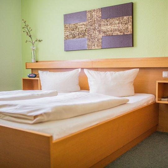 http://www.hotelwiendl.de/wp-content/uploads/2016/09/Doppelzimmer-540x540.jpg